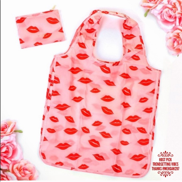 kate spade Handbags - 🎉 HP 🎉🆕 kate spade Lips Reusable Shopping Tote